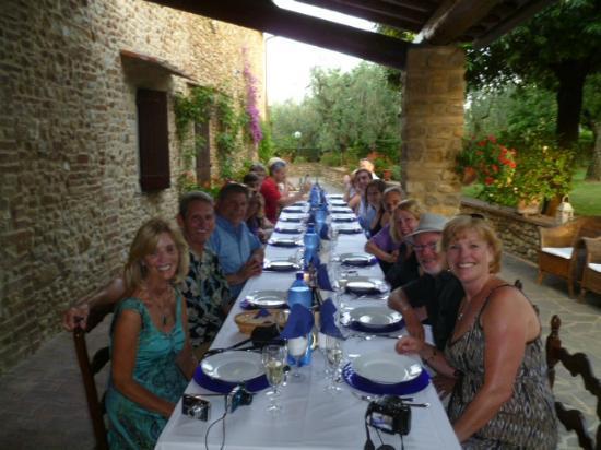 Villa Le Torri: Wonderful Italian Meal made by the family & Mamma LeTorri