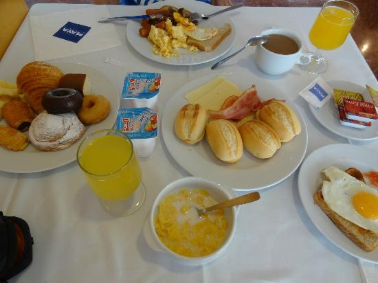 Hotel Maya Alicante: Breakfast