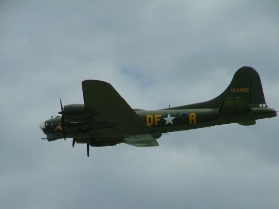 Duxford, UK: B-17 Flying Fortress 'Sally B'