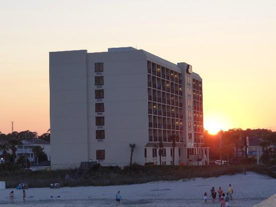Surfside Beach Oceanfront Hotel: Sunset at Surfside Beach