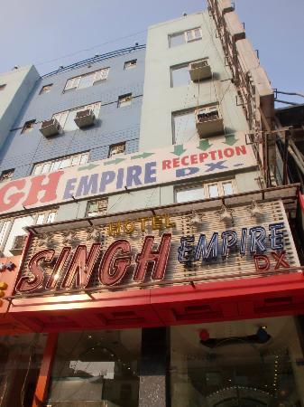 iLodge @ DB Gupta Rd: ホテル シン エンパイア デラックス