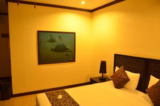 Ocean Vida Beach & Dive Resort: Room