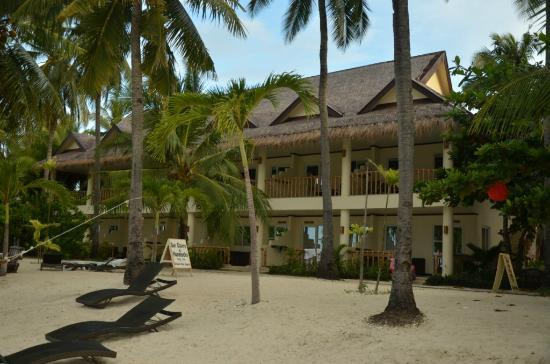 Ocean Vida Beach & Dive Resort: View of the hotel..