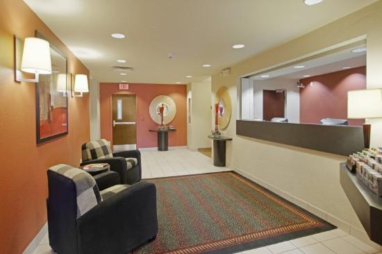 Extended Stay America - Fremont - Newark: Lobby and Guest Check-in