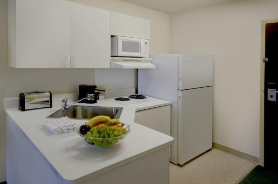 Extended Stay America - Fremont - Newark : Fully-Equipped Kitchens