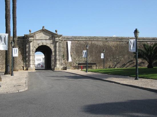 Pestana Cidadela Cascais : The Fort/Hotel Entrance