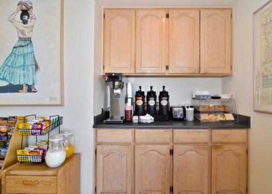 Golden Inn: Breakfast