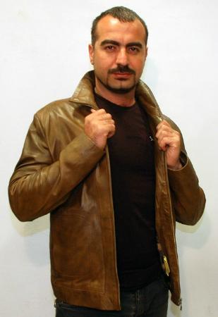 Kusadasi Market: brown leather jacket