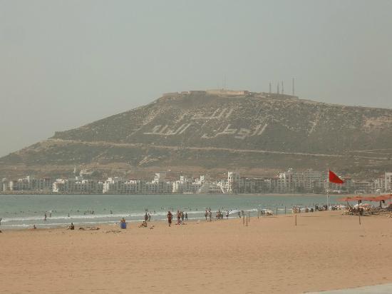 Agador Tamlelt: The beach and ruins on the hill