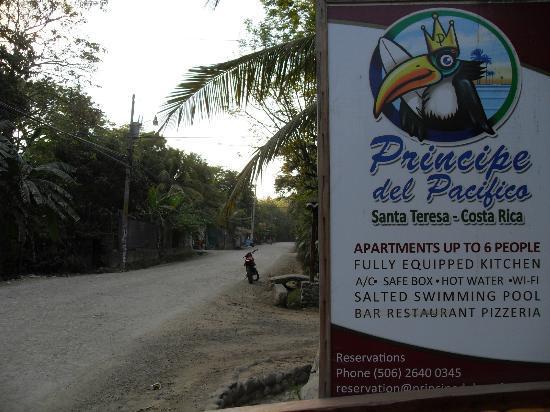 Principe del Pacifico: vägen utanför hotellet
