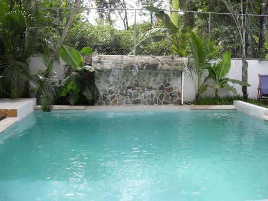 Principe del Pacifico: vattenfall och pool