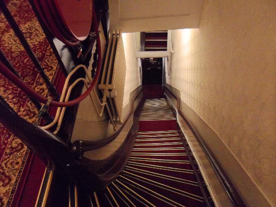 Hotel de Westertoren: escalera