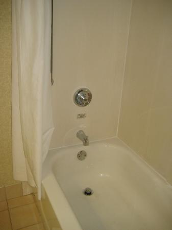 Hampton Inn Cleveland Solon : Shower