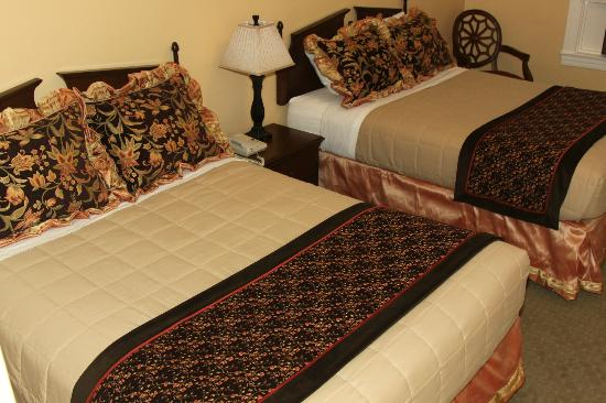 Sonora Inn: Historic Room with 2 Beds