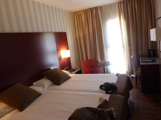 Hotel Zenit Lleida: habitacion