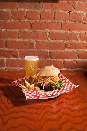 Buckhorn Steak and Roadhouse: Burger Beer Thursdays!