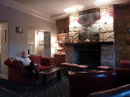 The Fox & Hounds Hotel: Waiting room at the restaurant