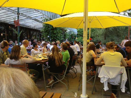Restaurant Forstbaumschule: Outdoors in the summer - a real treat