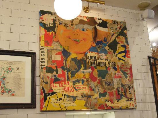 Peres et Filles : Fargerik kunst på veggen