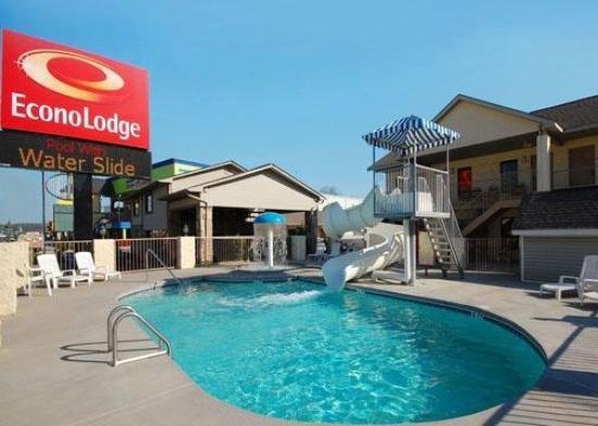 Econo Lodge: Pool