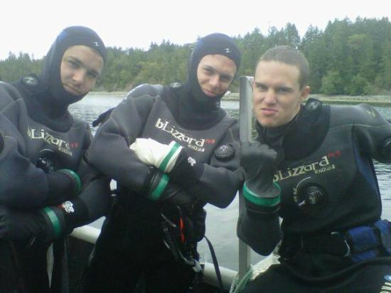 UB DIVING Ltd: Open water divers having a good time on Canada Day