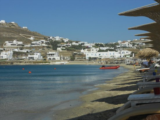 Cyclades Studios: Ornos beach early in the morning