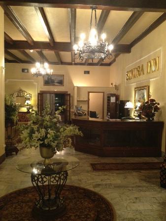 Sonora Inn: Lobby Area