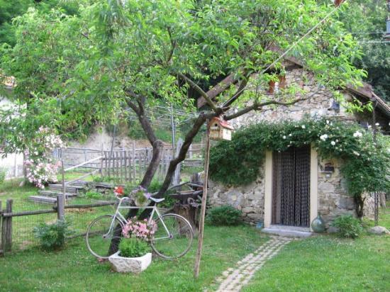 Silenzio e Buio: cucina in giardino