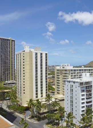 Hyatt Place Waikiki Beach: Exterior