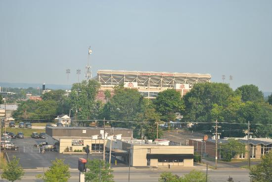Hilton Garden Inn Louisville Airport : View of University of Louisville from our room