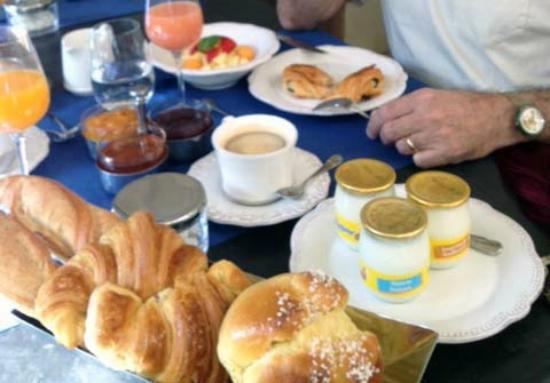 La Maison d'Aix : Big delicious breakfast