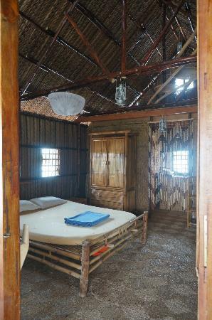 Mekong Floating House: La chambre