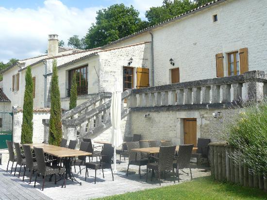 Le Relais de Saint Preuil: Terrasse