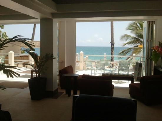 Atlantic Beach Hotel: Lobby - is actually a breath taking view, can't lie it was nice