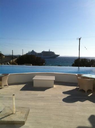 Irini Hotel Tourlos