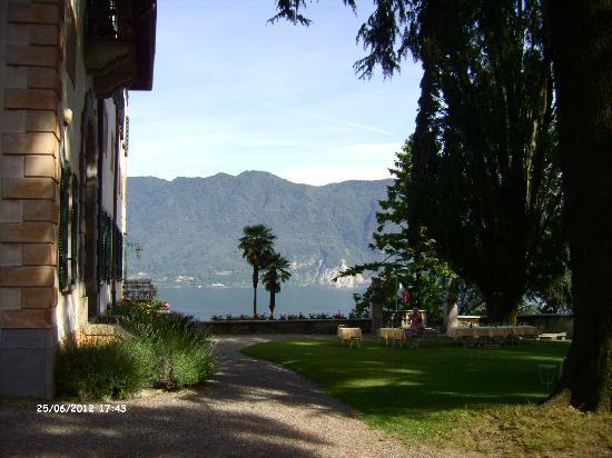 Castello Di Frino: Blick vom Garten aus