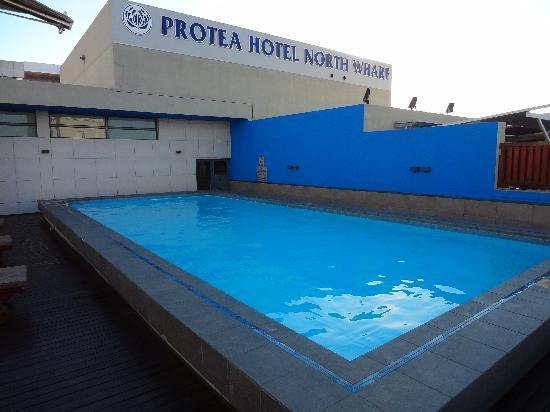 โรงแรมโพรทีโฮเต็ลนอร์ธวาร์ฟ: Pool