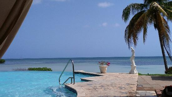 Grand Bahi-a Ocean View Hotel: from the pool