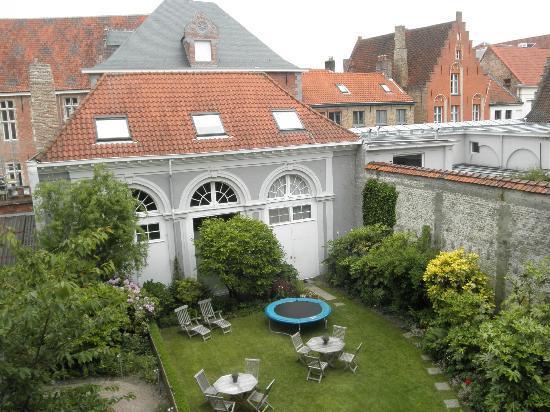 Hotel Patritius: Serene garden