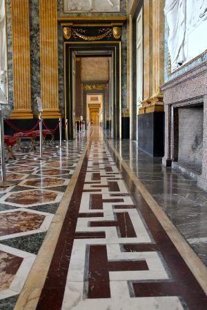 Reggia di Caserta: Perspectiva de los salones