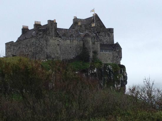 Duart Castle : Before the clouds rolled over the castle!