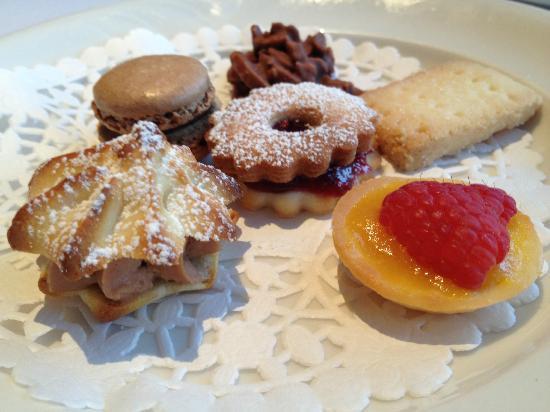 Le Beaujolais: 6種類のプチフール