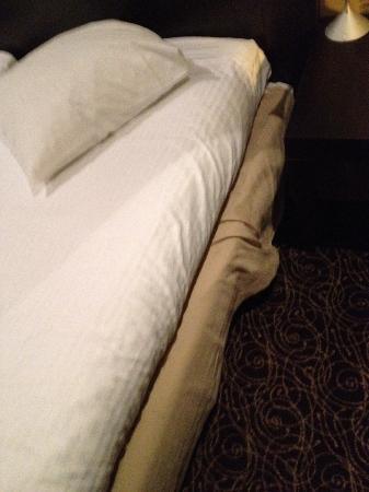 Hotel Chambord: room