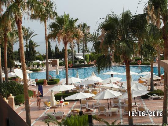 Iberostar Malaga Playa: vue piscine