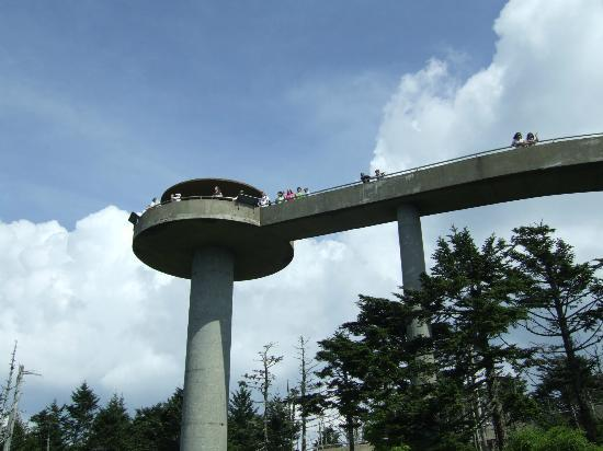 Clingmans Dome observation tower - Picture of Clingmans ...