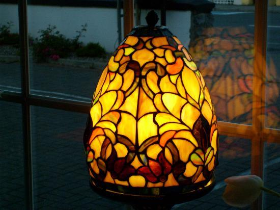 Aaron House B&B : Great lamp