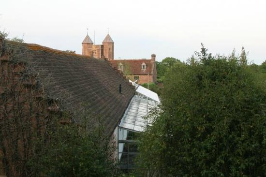 Sissinghurst Castle Farmhouse: This was the view from our room looking at the tower at Sissinghurst