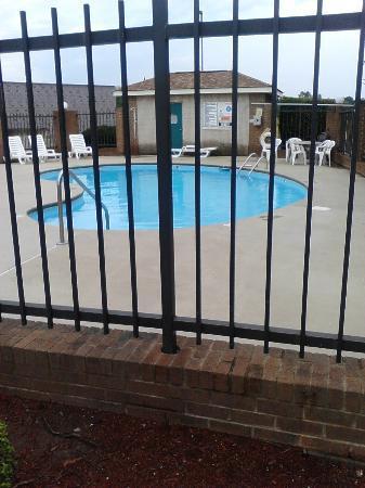 Days Inn Mooresville Lake Norman: Pool area