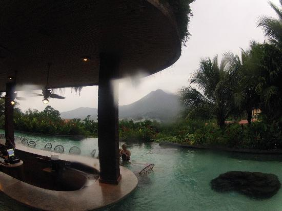 The Springs Resort and Spa : main bar, cloudy volcano in the back ground