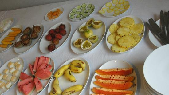 Ridee Villa: Breakfast items on the table Shot 2 -Fruits galore